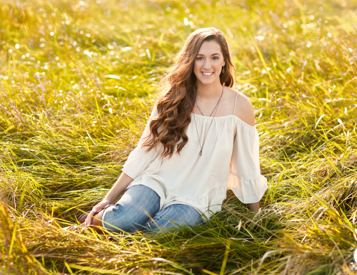 Kansas City Senior Photographer | Sneak Peek Hali